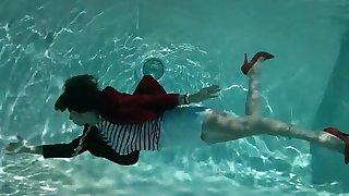 Swimmin  women 2
