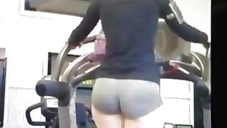 Chick At The Gym