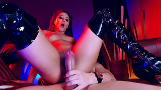 Abella Danger goes the extra milf to swallow some fresh sperm
